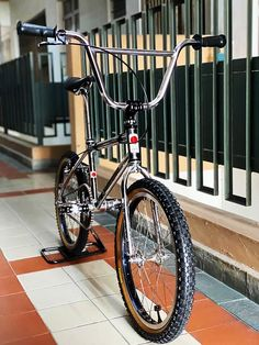 Bmx Bandits, Vintage Bmx Bikes, Bmx Street, Broken Arrow, Bmx Bicycle, Brake Pads, Cool Bikes, Bicycles, Old School