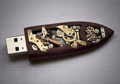 cool!!!!!steampunk ...flashdrive