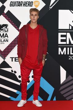 All the Best Looks at the MTV EMAs, From Ashley Benson's Tuxedo Jacket to Justin Bieber's Throwback Hoodie