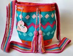 Weaving Arts in Crochet: My First Wayuu Bag It was so . Come and see! Viria, My Bags, Purses And Bags, Tapestry Crochet Patterns, Weaving Art, Crochet Bags, Fashion, Crochet Bag Patterns, Stay Alone