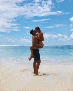 Couple Beach Pictures, Summer Pictures, Couple On The Beach, Vacation Pictures, Honeymoon Pictures, Couple Pics, Beach Photography, Couple Photography, Couple Fotos