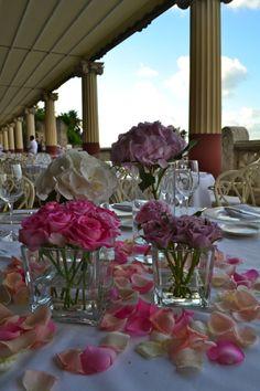 A romantic wedding in Sorrento at Hotel Bellevue Syrene at Villa Pompeiana.