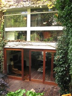 1960s Townhouse: LA Modern comes to London - MidCentury - The guide to Modern furniture, Interiors and architecture