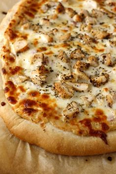 Roasted Garlic, Chicken and Herb Pizza