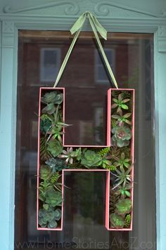 Make your own 3D oversized letter. Step by step tutorial. Would be cute filled with Christmas balls for Christmas.