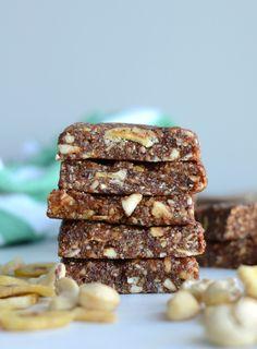 Vegan Banan Nut Bars - No-Bake, 3 Ingredients, Gluten-Free