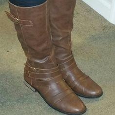 Calve boots ??  ****??Make an Offer??****** Worn twice Shoes Winter & Rain Boots