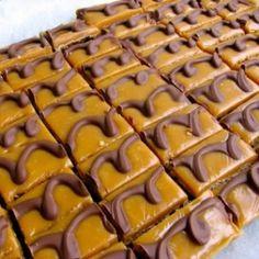 Caramel Chocolate Oatmeal Mini-Bars Recipe – 80 calories and 4 WW Freestyle SmartPoints Ww Recipes, Low Calorie Recipes, Cookie Recipes, Fast Recipes, Ww Desserts, Healthy Desserts, Dessert Recipes, Weight Watcher Cookies, Weight Watchers Desserts