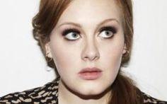 Il nuovo singolo di Adele Hello accusato di essere un plagio: ecco il confronto con un brano anni 70 Hello, può considerarsi una ballata romantica dal sound avvolgente e malinconico, con un sottofondo di pianoforte e un'atmosfera pop con sfumature soul e cori gospel. Adele, che l'ha scritta a quattr #hello #adele #musica #pop