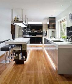 Diseño de Cocina Integral Elegante por Darren James