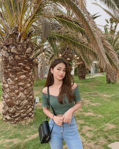 Image may contain: 1 person, tree, plant and outdoor Pretty Korean Girls, Cute Korean Girl, Asian Girl, Ulzzang Hair, Ulzzang Korean Girl, Uzzlang Girl, Girl Day, Fashion Poses, Fashion Advice