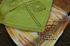 Mitered Diamond Dishcloth:  #knit #knitting #free #pattern #freepattern #freeknittingpattern #knittingpattern