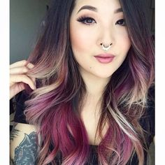 An awesome blend of colors! Brown, blonde, lavender, orchid, fuchsia, maroon, pink. Wonderfully done!