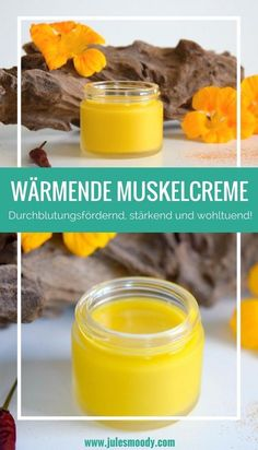 Wärmende Muskelcreme zur Massage und Pflege überanspruchter Muskeln This homemade warming muscle cream helps to regenerate overstrained muscles. With nasturtium, chili, vanilla and cayenne pepper. Massage, E Cosmetics, Beauty Care, Beauty Hacks, Beauty Tips, Beauty Skin, Beauty Products, Face Beauty, Beauty Ideas