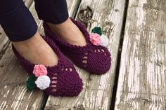 Pantoufles  femme chaussons fleurs tricot par CreationsArtPhoto