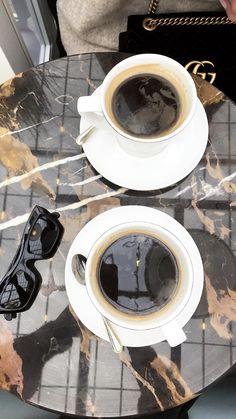 Saaadddiii Coffee Geek, Coffee Is Life, I Love Coffee, My Coffee, Coffee Beans, Coffee Mugs, Coffee Shot, Coffee Date, Aesthetic Coffee