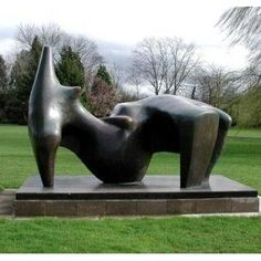 Henry Moore.