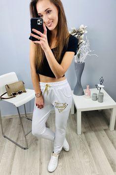 Biele dámske tepláky super Sweatpants, Fashion, Fashion Styles, Fashion Illustrations, Trendy Fashion, Sweat Pants, Moda