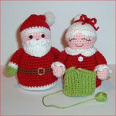 Aquí te dejo algunas opciones:   Santa y la señora, podrás comprar los patrones en inglés aquí:  http://www.tedsfromthreads.com/newpatterns....