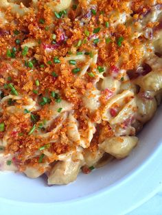 This bacon and pimiento mac 'n cheese is the definition of food porn for dinner.