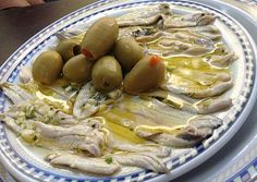 boquerones a la vinagreta Lychee Fruit, Spanish Food, Delish, Seafood, Food And Drink, Menu, Koh Tao, Snacks, Chocolate