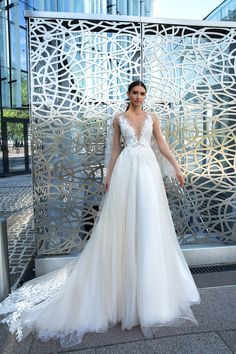 45 Dream Bridal Gowns For Every Bride. Bridal Gown For 45 Bridal Gowns To Take Inspiration From This Year Bridal Gown Styles, Bridal Gowns, Aline Wedding Gowns, Amazing Wedding Dress, Batwing Sleeve, Designer Wedding Dresses, Bridal Collection, Marie, Ball Gowns