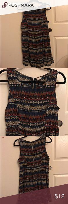Chevron dress Chevron-ish print. 29-ish inches from neckline to hem. 100% polyester one clothing Dresses Midi
