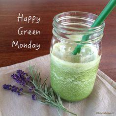 Mehr zu diesem Rezept findest Du in meinem Blog Yoga Meditation, Mason Jars, Clean Eating, Blog, Fruit, Happy, Pineapple, Green Smoothies, Few Ingredients