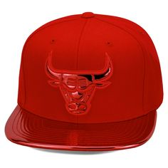 Mitchell   Ness Mens Chicago Bulls Metallic Foil Adjustable Snapback Hat…  Leather Baseball Cap d23984094d0