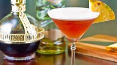 French Martini 50 ml vodka 15 mL Chambord Liqueur 100 mL pineapple juice Ice