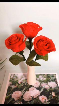 Paper Flowers Craft, Paper Crafts Origami, Paper Roses, Flower Crafts, Diy Flowers, Diy Crafts Hacks, Diy Crafts For Gifts, Diy Arts And Crafts, Paper Flower Tutorial