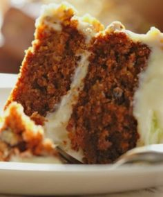 Moist Carrot Cake Recipe - Yummyship