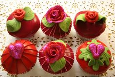 Rode rozen, Harten en Glitter Cupcakes - Cupcakes & Muffins