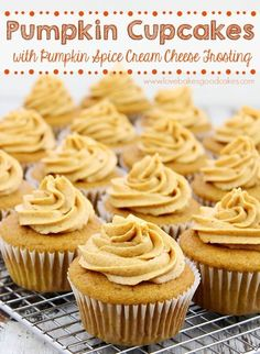 Fall Desserts, Just Desserts, Delicious Desserts, Yummy Food, Cupcake Recipes, Baking Recipes, Cupcake Cakes, Pumpkin Cupcakes, Pumpkin Dessert