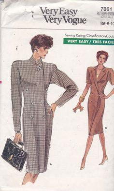 Vogue 7061 Vintage Muster Womens Semi hautenge Kleid von OhSewVogue