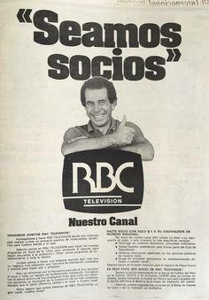 La vez que Ricardo Belmont ofreció a 1 dólar casa acción de su nuevo canal, RBC. Muchos compraron sus acciones. Belmont, Thing 1, Baseball Cards, Retro, Blog, Movies, Movie Posters, Home, Tv Shows
