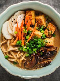 Vegan Vegetarian, Vegetarian Recipes, Marmite, Tofu, Ramen, Food Porn, Pasta, Yummy Food, Healthy