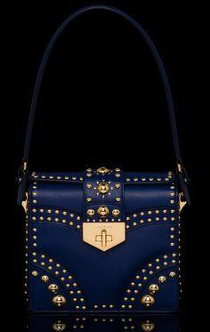 Prada Saffiano Hobo Bag - Prada Saffiano Tote - Ideas of Prada Saffiano Tote - Tote Handbags, Purses And Handbags, Sacs Design, Prada Saffiano, Beautiful Bags, Hobo Bag, My Bags, Mini Bag, Clutch Bag