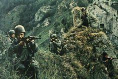 All power to the Soviets! Earth And Solar System, Warsaw Pact, Honor Guard, Soviet Army, Paratrooper, Military Weapons, Korean War, Modern Warfare, Vietnam War