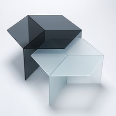 Side or coffee table made of coloured tempered glass. by neo craft