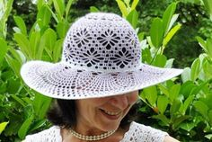 Josefina Mencia's media content and analytics Childrens Crochet Hats, Crochet Adult Hat, Crochet Hat For Women, Knit Or Crochet, Cute Crochet, Beautiful Crochet, Crochet Crafts, Crochet Projects, Crochet Baby Dress Free Pattern