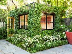 緑に覆われたコンテナのスタジオを発見!「Leaf Box in San Francisco」 | 未来住まい方会議 by YADOKARI | ミニマルライフ/多拠点居住/スモールハウス/モバイルハウスから「これからの豊かさ」を考え実践する為のメディア。