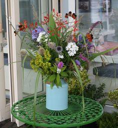 Natural flower arrangements: a wedding in Dublin - dyg.ie, Ireland's online garden centre