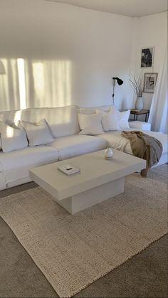 Living Room Remodel, Home Living Room, Living Room Designs, Living Room Decor, Bedroom Decor, Apartment Interior, Apartment Living, Dream Home Design, Home Interior Design