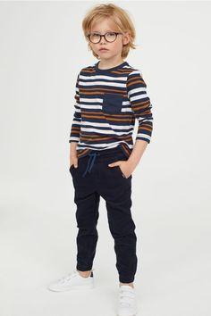 Puuvillaiset pull on -housut - Tummansininen/Vakosametti - Kids Trendy Boy Outfits, Little Boy Outfits, Little Boy Fashion, Toddler Boy Outfits, Baby Boy Fashion, Fashion Kids, Toddler Fashion, Baby Boy Outfits, Kids Outfits