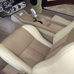 www.buxcustoms.com custom-interiors 1966-Ford-Mustang-fastback-full-custom-interior-003.jpg
