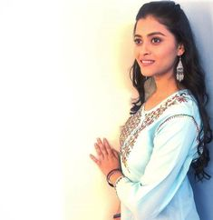 Radha Krishna Photo, Krishna Photos, Crop Top Outfits, Cute Images, Latest Pics, Diwali, How To Memorize Things, Photoshoot