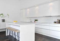Black & White Modern Loft In Stockholm, Sweden Loft Kitchen, Small Kitchen Storage, Kitchen On A Budget, New Kitchen, Kitchen Interior, Kitchen Dining, Kitchen Decor, Kitchen Island, Bright Kitchens
