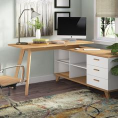 Fjørde & Co The Oslo corner writing desk impresses with its unique design and lots of storage space. The drawers and shelves can be mounted on the left or right, which gives you additional flexibility when setting up your work space. Oslo, Mesa Home Office, Home Office Design, L Desk, Work Desk, Desk Storage, Storage Spaces, Furniture Storage, Cheap Furniture