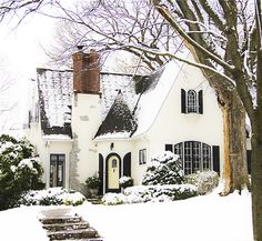 winter wonderland // fairytale cottage in the snow Cottage Homes, Cottage Style, Tudor Cottage, White Cottage, Casas Tudor, Cute House, Cute Little Houses, Sweet House, House Goals